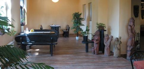 SAK Restauracja Olsztyn Hotel Mazury Warmia galeria rzeźb.