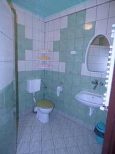Łazienka w pokoju hotelowym - Natrysk, WC, Umywalka